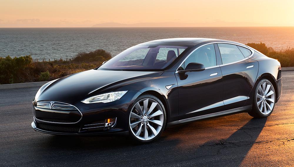 Tesla'nızı Messenger Üzerinden Yönetebilirsiniz